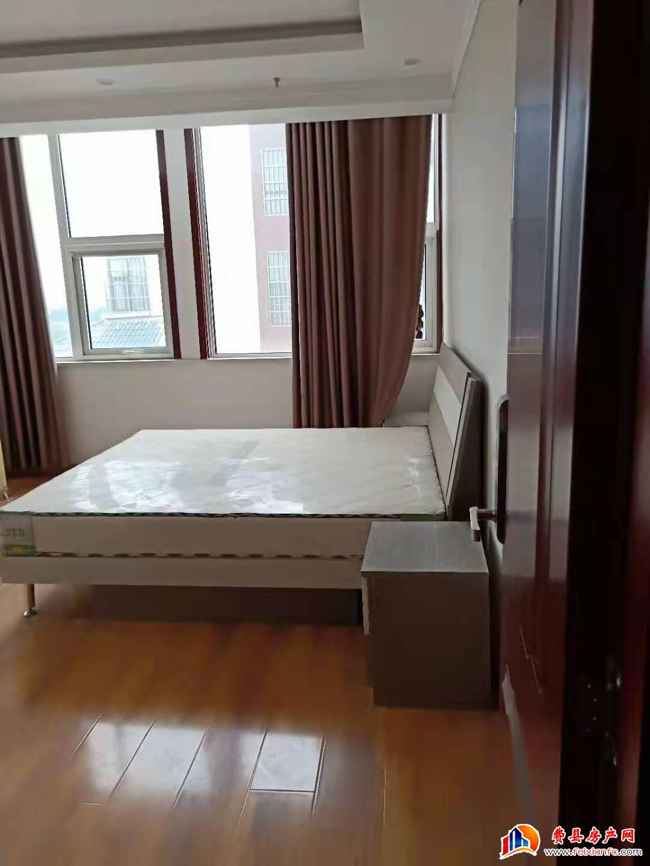 费县富源广场 嘉禾公寓108平精装带全新家具家电60万