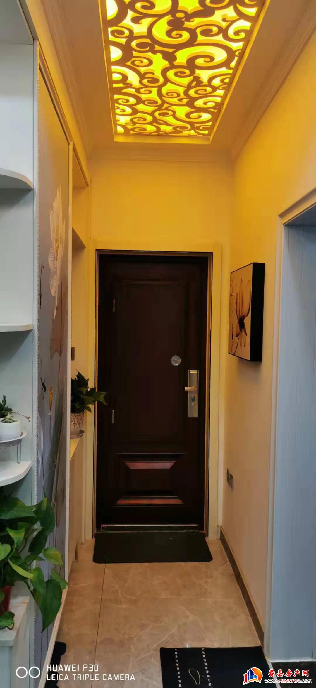 坤大家属院3室2厅,内家具家电齐全,拎包入住。