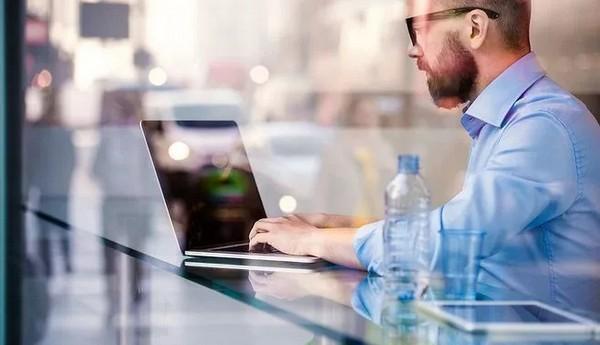 銀光地產 | 打敗在家辦公的慵懶,運用這四條規則更有效率。